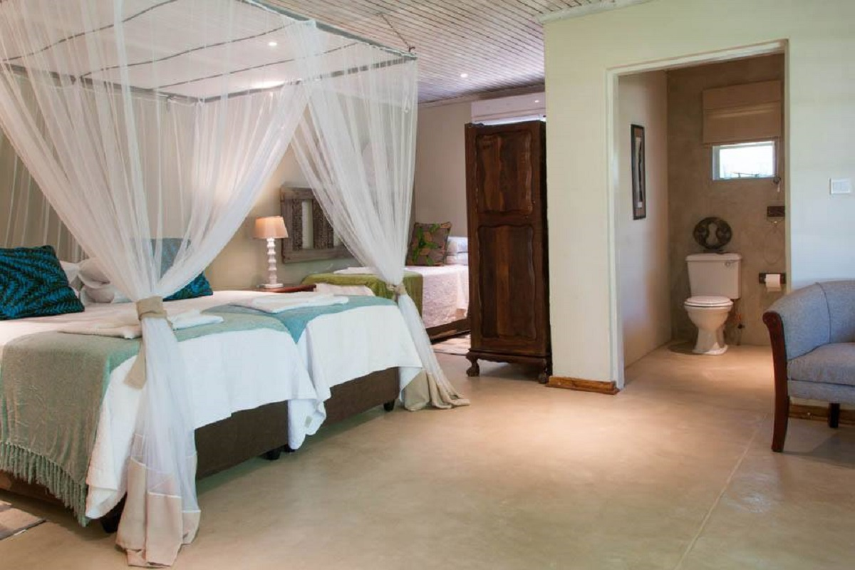 Situated in the picturesque town of Victoria Falls  this lodge has a lovely   bushveld  feel with comfortable rooms  beautiful gardens and is a stones  throw. Best of Botswana  Botswana Adventure  Wildlife Safari